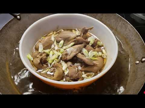 Steamed quail with garlic and ginger.