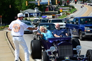 HOT ROD MADNESS CRUISE IN