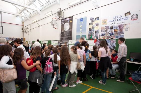 Coda allo stand delle sabbie - Roma, Global Junior Challenge 2010