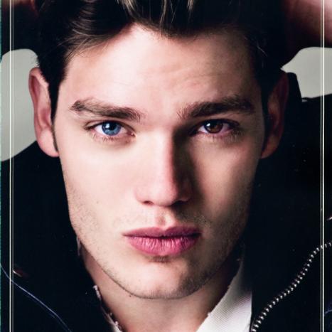 ✓ Cedric Reigns