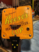 RTL CBG Reese's Can close