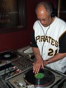 Rare Vinyl with DJ Stephan at Kelly's