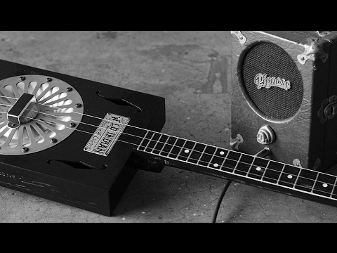 Old Time Delta Blues - Recorded on a Cigar Box Resonator