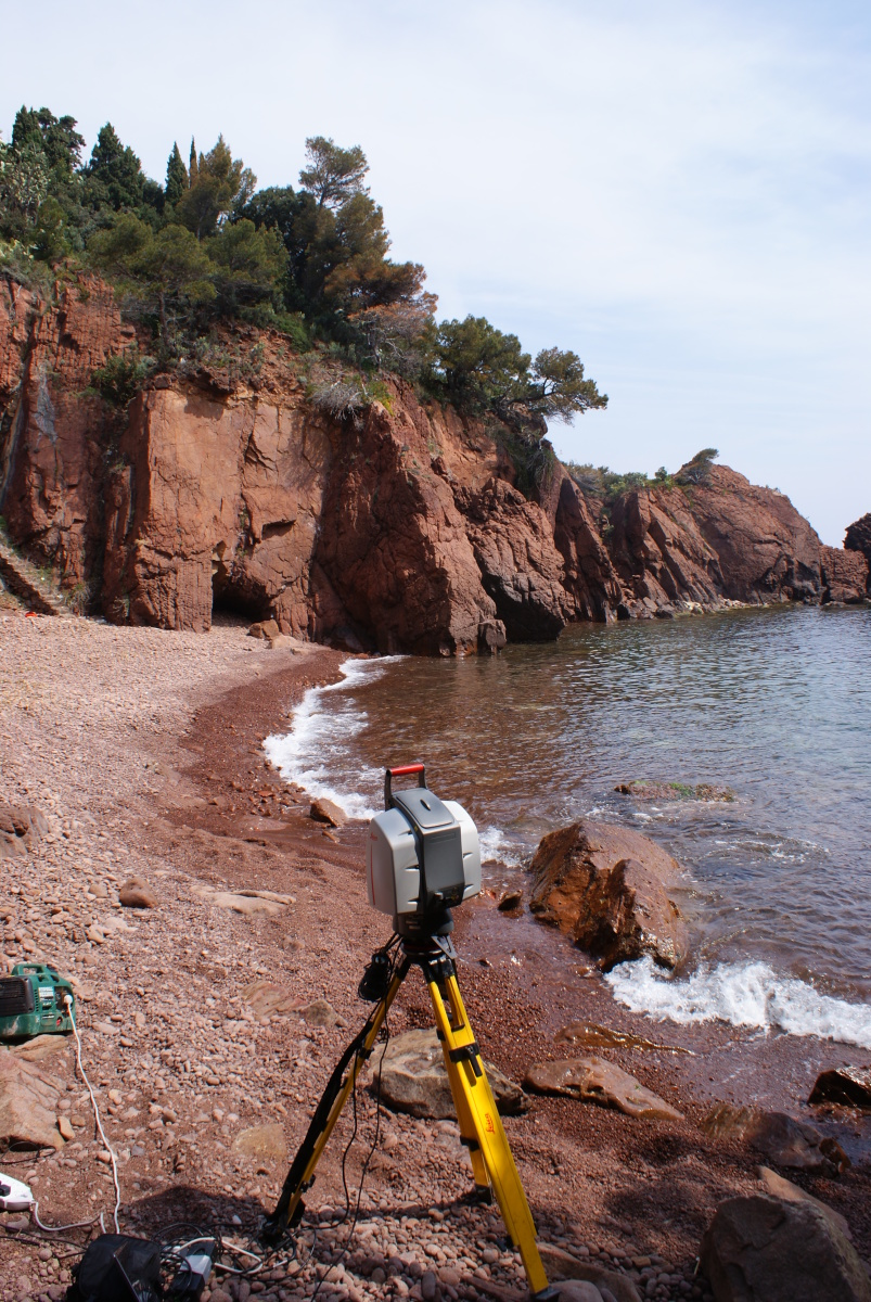 Laser Scanning Cliff Faces in the South of France