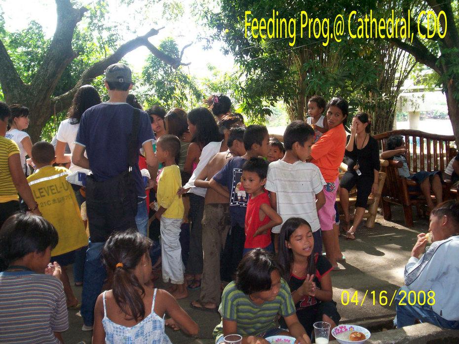 Feeding-at-Cathedral