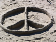 Peace%20sign%20in%20the%20sand,%20Santa%20Barbara,%2010-30-05