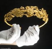 Encuentran corona griega de oro de hace 2.300 años...