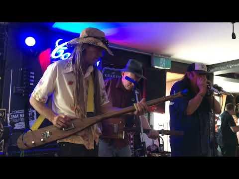 Nigel McTrustry's Cigar Box Boogie Trio Live
