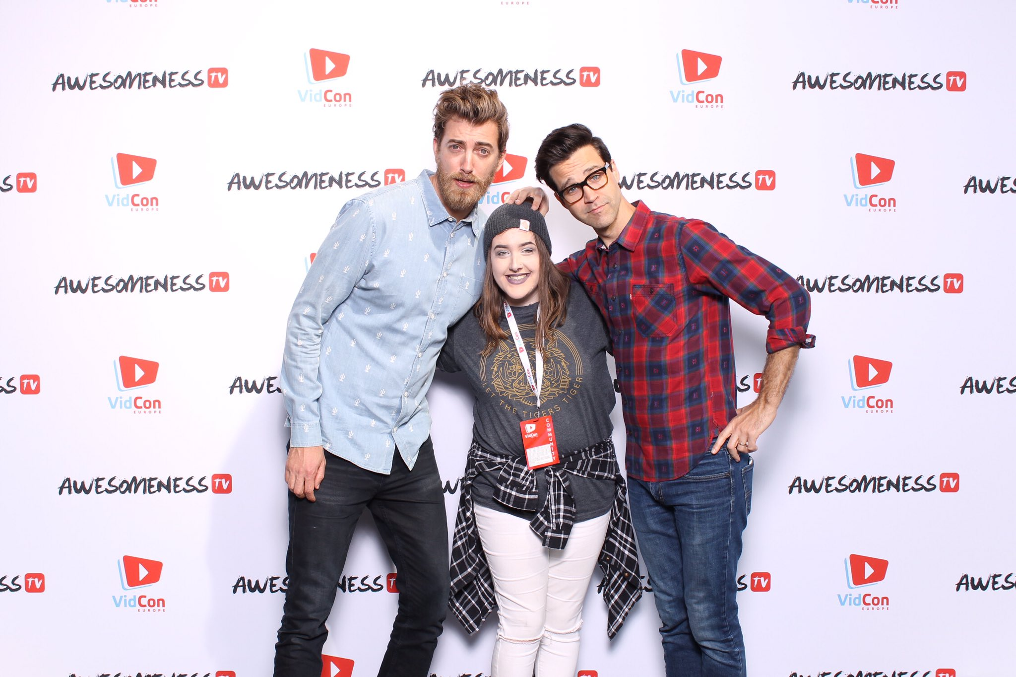 I MET RHETT AND LINK