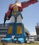 bizarrestatues2 (Optimus Prime)