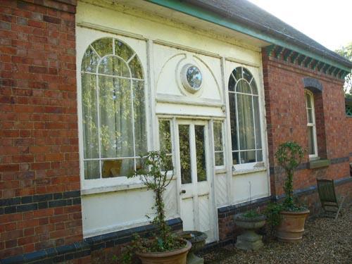 Station detail Stoke Bruerne