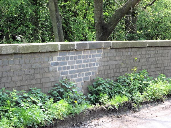 Woodford Halse - Substantial repairs to SMJ Bridge 38