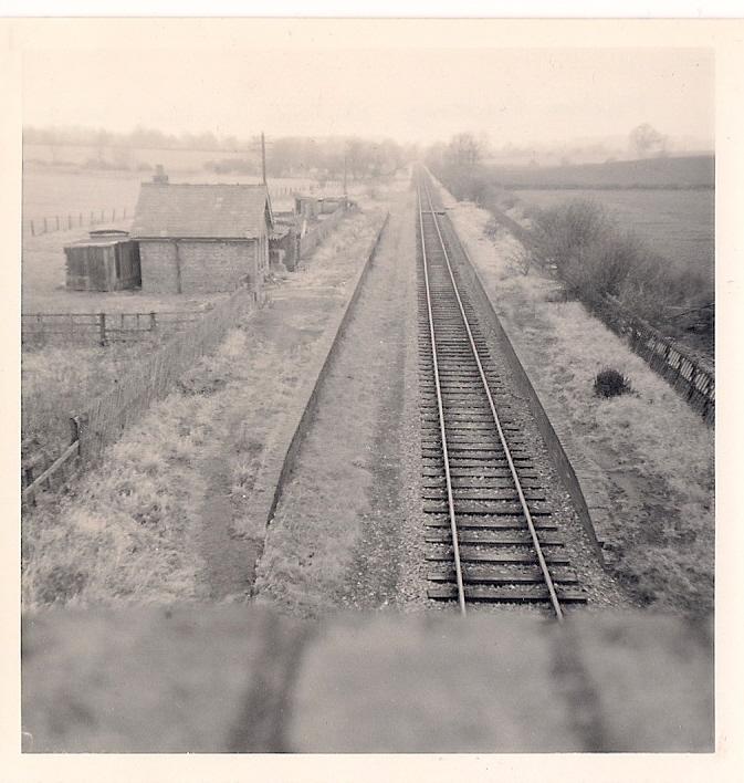 31.1 Jan 11 Moreton Pinkney Station looking west