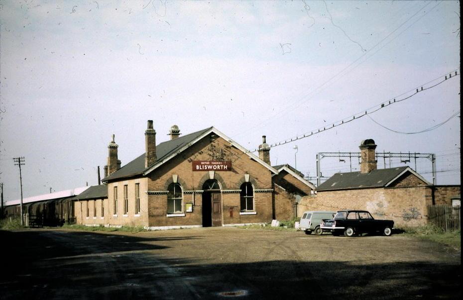 65.5.10A October 1965 Blisworth station