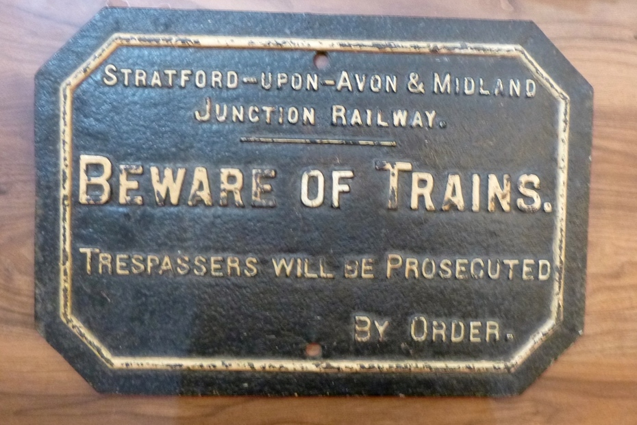 SMJR 'Beware of Trains' notice