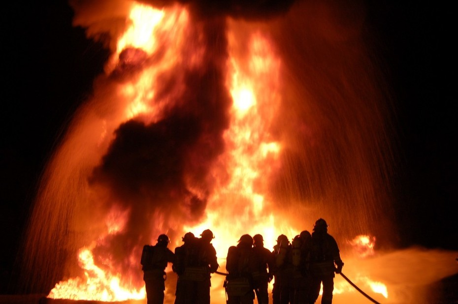 LCFD NIGHT FIRES10030
