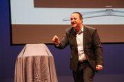 """Michel Poulaert en conférence : """"bousculons l'économie avec optimisme"""""""