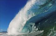 Break - wave crashes down