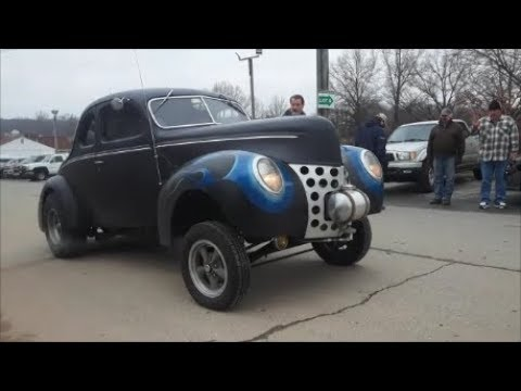 A Gas er 1940 Ford At the Chesapeake Region AACA 2019 Howard County Swap Meet