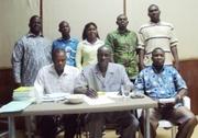 Les 5 nouveaux membres du bureau Synatic de la section des Hauts-Bassins poasant avec ceux du bureau national