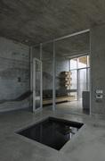 Železobetónový minimalistický dům