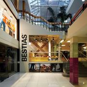 Interiér prodejny Bestias XX od Move architects