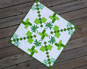 "St. Patricks Day: ""Bring Me Luck"" Mini Quilt – A Free Quilting Tutorial from Blue Ribbon Designs"