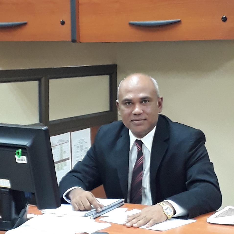 Dr. Juan Ramón