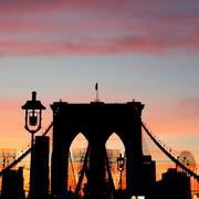 Puente de Brooklyn antes del anochecer.