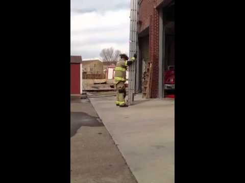 1 firefighter 35 ft extension ladder raise