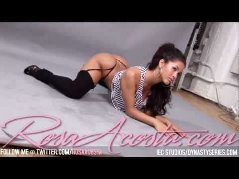 Rosa Acosta Stretching