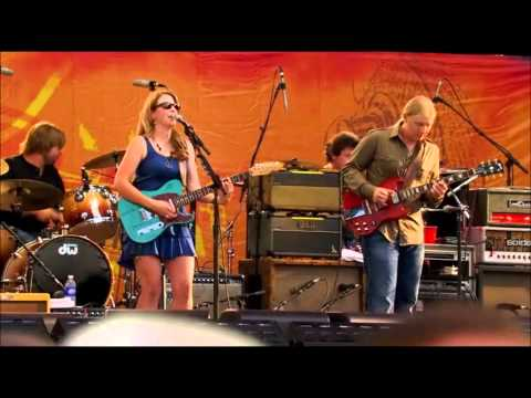 Midnight In Harlem (Tedeschi Trucks Band)