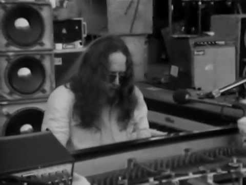 Grateful Dead - Full Concert - 08/04/76 - Roosevelt Stadium (OFFICIAL)