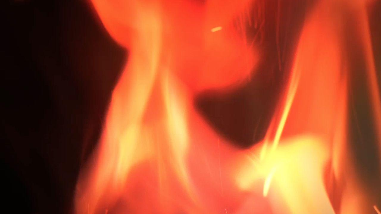 Nesmejieti jūs ļautiņi - Fire Song