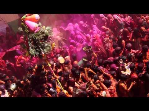 HOLI Festival by Xavier Zimbardo (Canon EOS 5D Mark II)