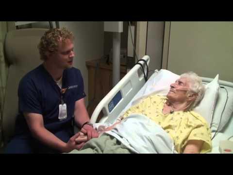 Cet infirmier a un talent secret qu'il utilise pour aider les patients à surmonter la douleur