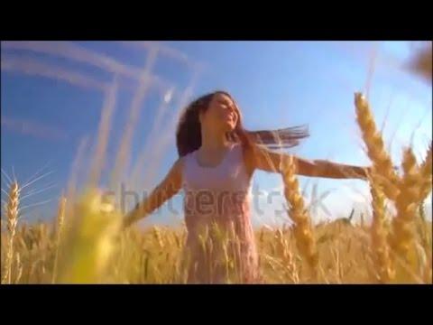 """"""" Harmonie entre Femme et Nature """" - montage de vidéos (ralenti)"""