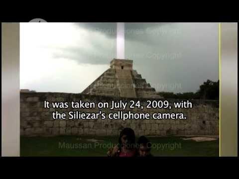 Los Enigmas del 2012 - El rayo de luz sobre la piramide de Kukulkan