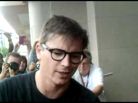Josh Hartnett outside the Intercontinental in Toronto for TIFF