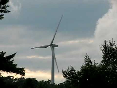 Amazing  Turbine Wind Power Capture In Maine!