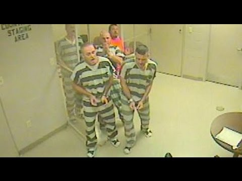 Inmates Break Out Of Cell To Help Officer Suffering Heart Attack
