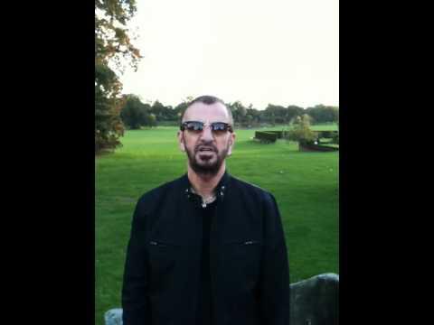 Ringo Star deseja feliz aniversário a John Lennon