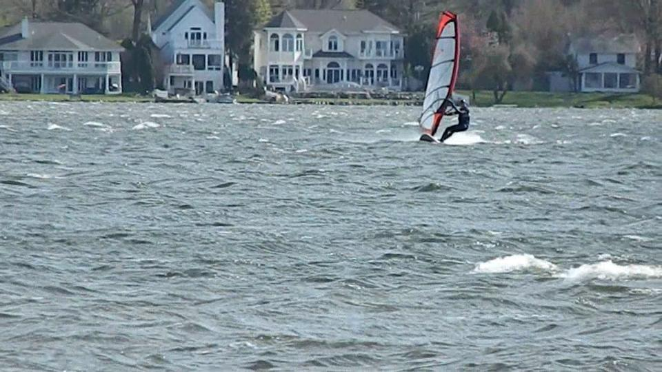 Windsurfing Lake Lansing 2: a warm and windy spring