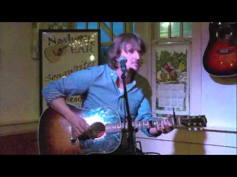 Lachlan Bryan playing the Fontanel in Nashville Tennessee