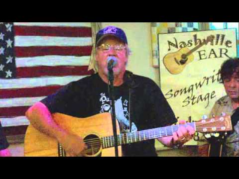 """Gerald Smith singing """"Every Second"""" at the Fontanel for the NashvilleEar.com Songwriter Stage"""