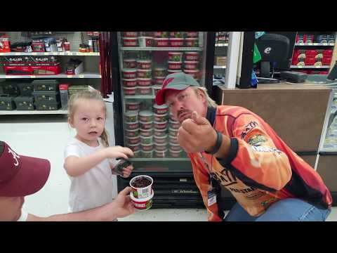 Hangin' with Paisley at Walmart for National Boating & Fishing week