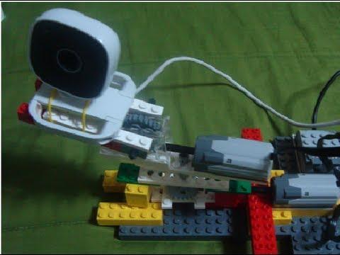 Brazo robótico WEDO y TV 3D realizado por niños