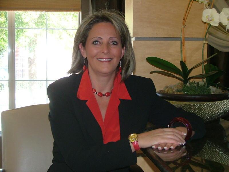 Kelli Christina