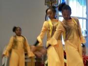 Faith, McKayla & Lonnique Praise Dancing