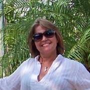 Elizabeth Schau